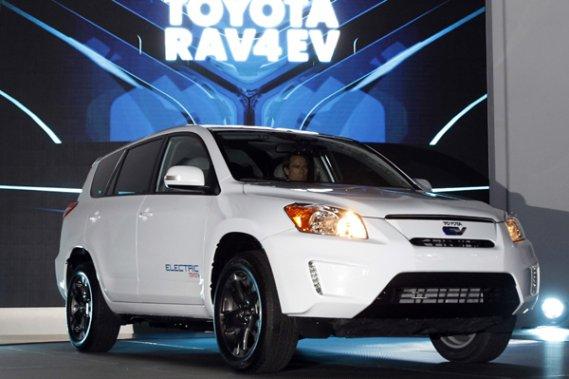 Le Toyota RAV4 électrique sera d'abord produit à 35 exemplaires afin d'être évalué pendant toute l'année 2011 avec pour objectif final une mise en marché l'année suivante.