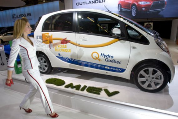 La i-MiEV de Mitsubishi deviendra le deuxième engin à moteur électrique à être offert sur  le marché canadien après la Leaf de Nissan.