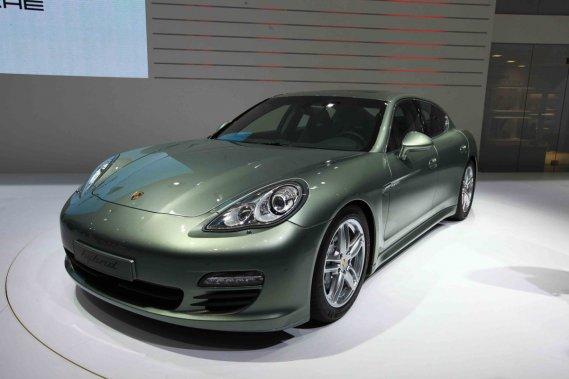 La Porsche Panamera  S Hybrid.