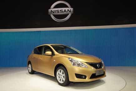 Une Nissan Tiida.