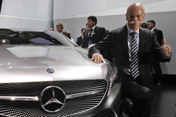 Le PDG de Daimler AG, Dieter Zetsche, est l'un des nombreux hauts dirigeants automobiles présents au Salon de Shanghai.