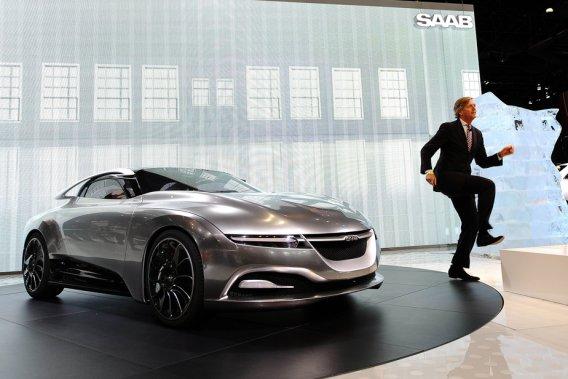 Victor Muller, le pdg de Saab, qui a présenté la semaine dernière à New York le concept PhoeniX, a reconnu que le constructeur ne pourrait atteindre son objectif de vendre 80 000 voitures en 2011.
