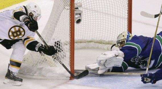 Brad Marchand marque le 2e but des Bruins. (Photo PC)