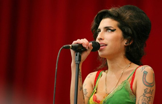 Amy Winehouse avait redonné son sens à la soul music en chantant l'addiction et le désespoir d'une voix venue du tréfonds d'elle-même. (Photo AFP)