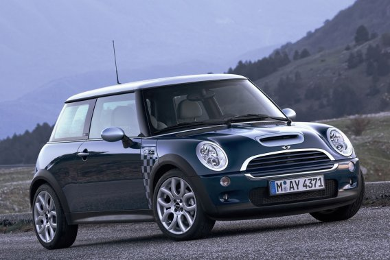 La Mini Cooper est de retour sur le marché depuis 2002 et connaît un grand succès.