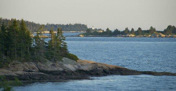Vue du balcon au Goose Cove Resort. (Hugo de Grandpré, La Presse)