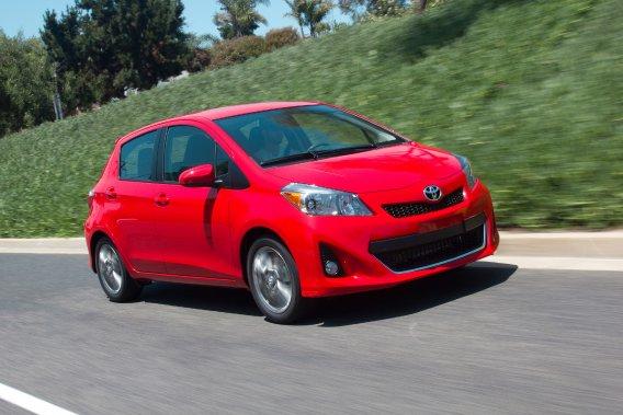 Toyota espère aussi que la nouvelle génération de sa petite citadine  Yaris, qui vient d?être lancée, va tirer ses ventes en Europe