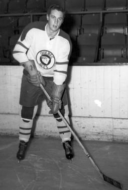 Jean Béiveau avec les As de Québec en 1951, avant la signature de son premier contrat avec le Canadien. (Archives La Presse)
