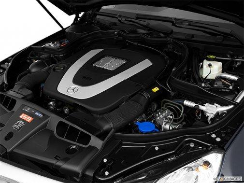 Mercedes-Benz - Classe-E 2011: Le soleil brille pour tout le monde - Coupé 2 portes 3,5 L à traction arrière - Moteur (Evox)