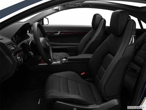 Mercedes-Benz - Classe-E 2011: Le soleil brille pour tout le monde - Coupé 2 portes 3,5 L à traction arrière - Siège du conducteur (Evox)