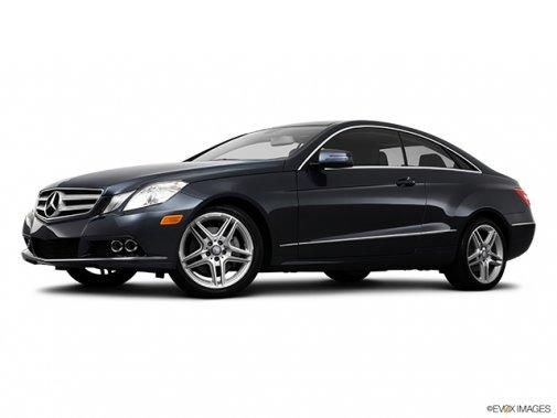 Mercedes-Benz - Classe-E 2011: Le soleil brille pour tout le monde - Coupé 2 portes 3,5 L à traction arrière - Plan latéral avant (Evox)