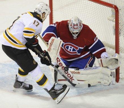 Carey Price ferme la porte à Milan Lucic des Bruins. (Bernard Brault, La Presse)