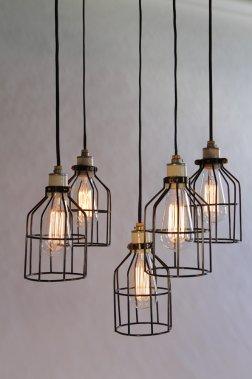 Les cages, 58$ chaque suspension, www.lambertetfils.com (Olivier Pontbriand, collaboration spéciale)