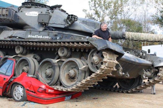 craser des minounes avec un char d 39 assaut pierre marc. Black Bedroom Furniture Sets. Home Design Ideas