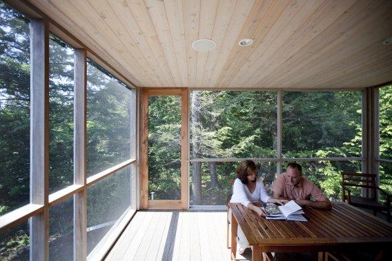 Une maison trois fois plus petite lucie lavigne maisons - Maison avec veranda integree ...