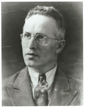 Jacob-Isaac Segal, considéré le plus grand poète yiddish de Montréal et du Canada, vers les années 1930 (Archives de la Bibliothèque publique juive de Montréal)