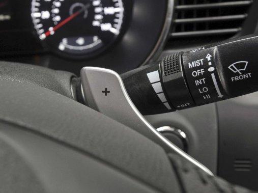 L'Optima et la Regal proposent toutes deux une boîte semi-automatique pour relayer la puissance aux roues avant. (Photo Kia)