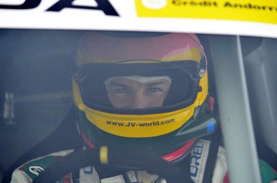 Jacques Villeneuve est de retour en Trophée Andros, même s'il avait laissé entendre l'an dernier qu'il tirait un trait sur la discipline.