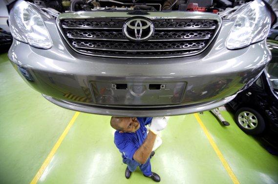 Le consommateur néglige ou repousse l'entretien et les réparations qui concernent surtout les freins, les amortisseurs, le circuit de refroidissement ou encore le liquide de transmission.
