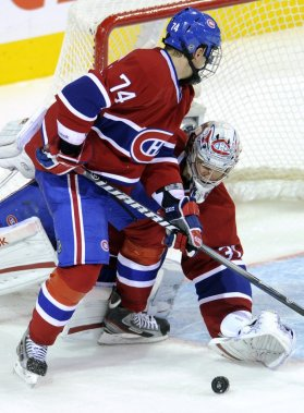 Alex Emelin et Carey Price, du Canadien, en 2e période. (Photo: Bernard Brault, La Presse)