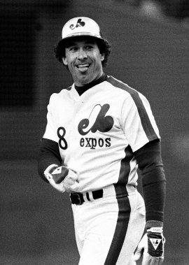 Gary Carter célèbre après avoir claqué un circuit contre les Giants de San Francisco, en 1983. (PC)