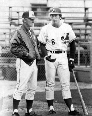 Gary Carter (à droite) avec l'entraîneur des Expos Gene Mauch, en 1975. (archives La Presse)