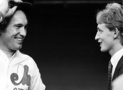 Gary Carter avec Wayne Gretzky en 1982. (Denis Courville, La Presse)