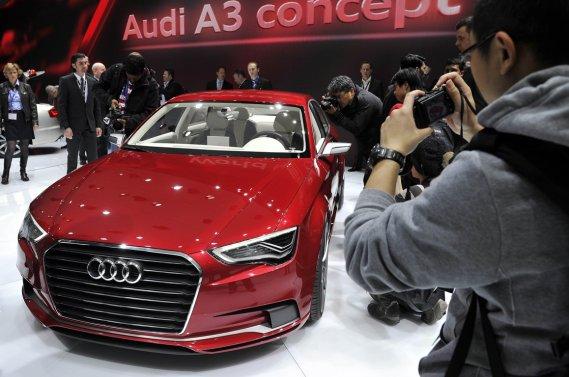 Audi a dévoilé l'an dernier à Genève sa A3 sous une forme conceptuelle (notre photo). Le constructeur allemand récidive cette année au même salon avec cette fois la version définitive de la berline compacte.