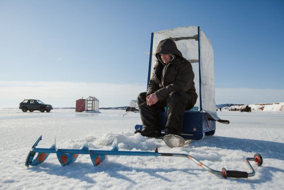 La pêche sur glace exige beaucoup de patience. (Photo: Édouard Plante-Fréchette, La Presse)