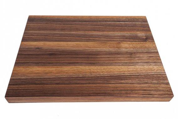 La planche pas seulement pour d couper johanne for Planche en bois pour cuisine