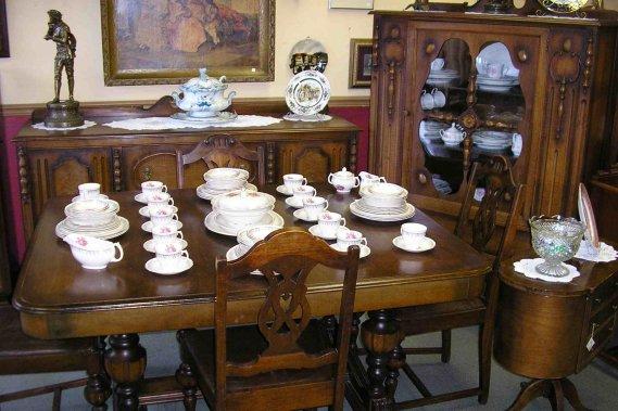 Des antiquit s de choix et plus encore sophie richard for Meuble lida montreal