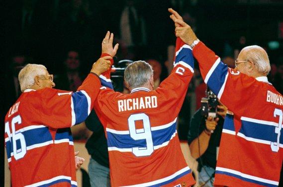 Elmer Lach, Maurice Richard et Émile Bouchard avant le dernier match du Canadien au Forum de Montréal, le 11 mars 1996. (Bernard Brault, archives La Presse)