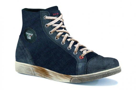 Les souliers imperméables X-Street.