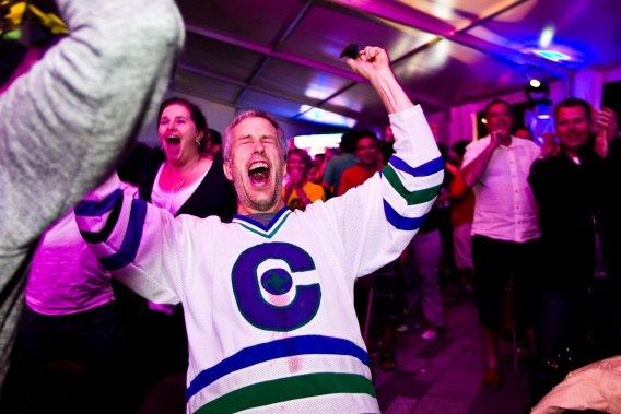 Des cris de joie ont salué la victoire des Cataractes. (Photo: Olivier Croteau)