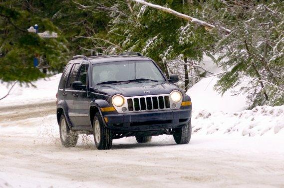Le problème touchant les Jeep Liberty des années 2004 à 2007 ne survient que dans les régions où du sel est utilisé pour déglacer les routes.