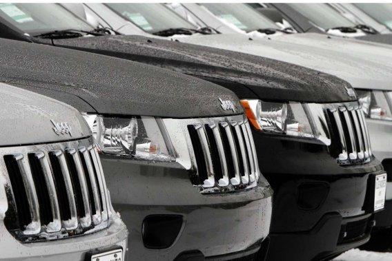 Sur son site web, le magazine allemand Auto Motor und Sport affirme que «le Jeep n'a pas tendance à capoter, même à haute vitesse, même avec des manoeuvres abruptes, un maximum de passagers et complètement chargé. Durant le test, le véhicule n'a montré aucun problème de tenue et les quatre roues sont restées au contact de la route».