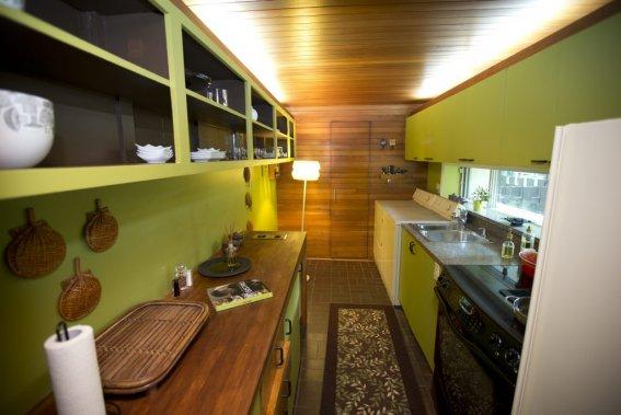 cottage vintage des ann es 60 dans ahuntsic cartierville marie andr e amiot maisons de luxe. Black Bedroom Furniture Sets. Home Design Ideas