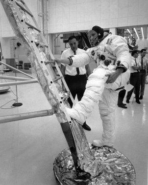 Une simulation au Kennedy Space Center, le 15 juillet 1969. (PHOTO AFP -- ARCHIVES NASA)