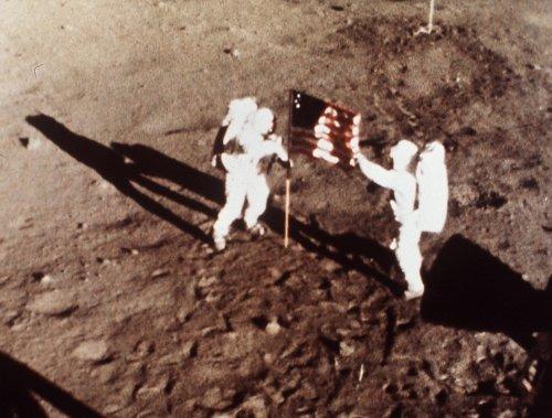 Neil Armstrong et Buzz Aldrin. (PHOTO ARCHIVES AP)