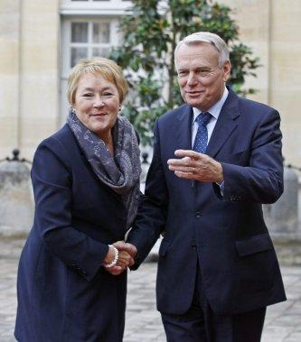 Le premier ministre français Jean Marc Ayrault et Pauline Marois. (AP)