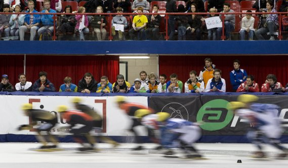 La Coupe du monde de patinage de vitesse courte piste à l'Aréna Maurice-Richard (Photo Robert Skinner, La Presse)