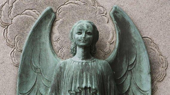 Un bronze réalisé par le prolifique sculpteur Émile Brunet au cimetière Notre-Dame-des-Neiges. (Photo: Ivanoh Demers, La Presse)