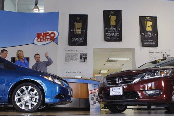Le bulletin mensuel des ventes de véhicules peut être trompeur, car il n'explique ni les pertes ni les gains de chaque marque. Il se limite plutôt à livrer des chiffres bruts, sans plus de détail.