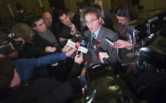 Richard Bergeron réagit après le départ du maire. (PHOTO OLIVIER JEAN, COLLABORATION SPECIALE)