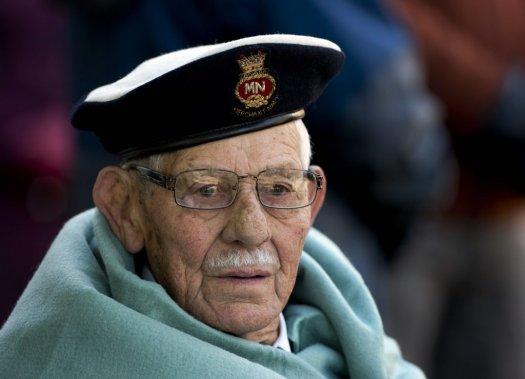 Le vétéran George Scott, âgé de 88 ans, lors du jour du Souvenir à Halifax. (PC)