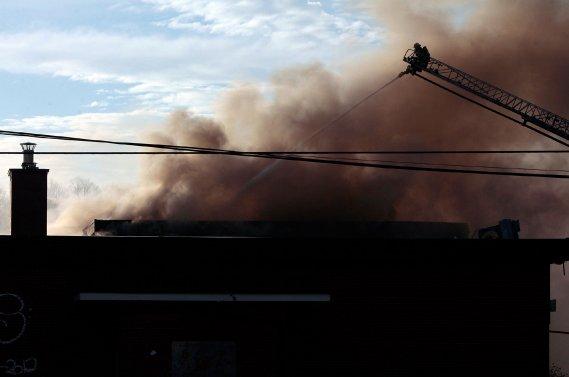 Incendie majeur sur l'ancienne base militaire de Rockcliffe (Étienne Ranger, LeDroit)