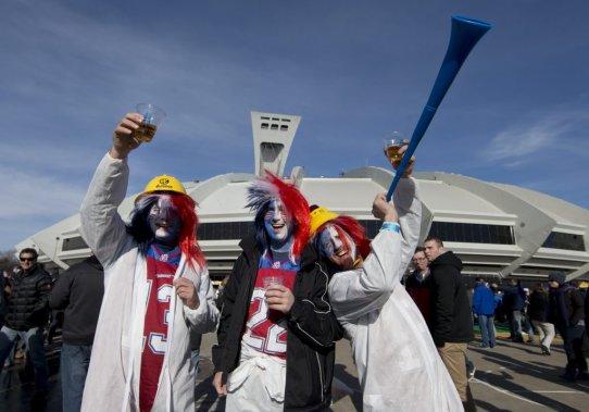 50 112 spectateurs se sont donné rendez-vous au Stade olympique. (Robert Skinner, La Presse)