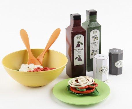 Service à salade, par Greentoys. 24,99$www.greentoys.com ()