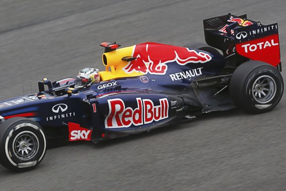Sebastian Vettel a remporté un troisième championnat consécutif dimanche.