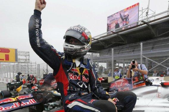 Sebastian Vettel est champion avec trois points d'avance sur l'Espagnol Fernando Alonso.